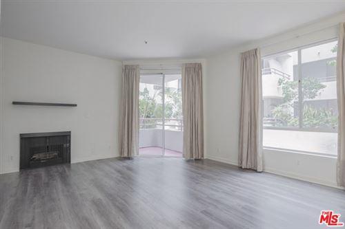 Photo of 500 S Berendo Street #102, Los Angeles, CA 90020 (MLS # 20629550)
