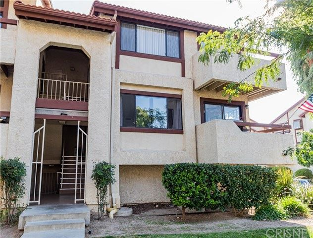 Photo for 18119 Sundowner Way #965, Canyon Country, CA 91387 (MLS # SR20208550)