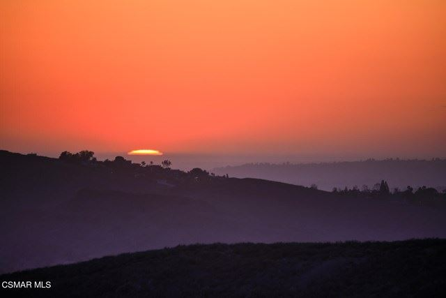 Photo of 3323 Montagne Way, Thousand Oaks, CA 91362 (MLS # 221001551)