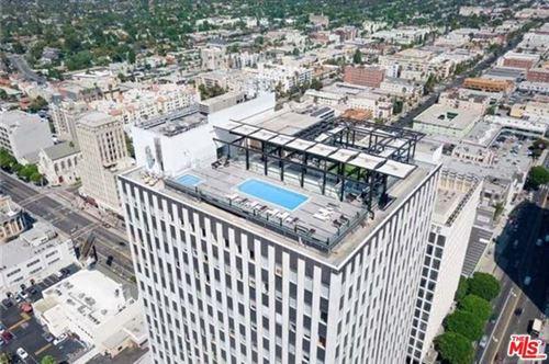 Photo of 3810 Wilshire Boulevard #1208, Los Angeles, CA 90010 (MLS # 20658552)