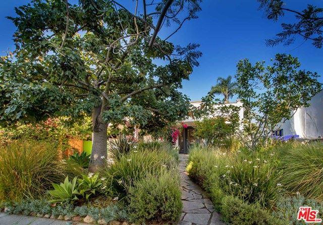 Photo of 528 N KILKEA Drive, Los Angeles, CA 90048 (MLS # 20576552)