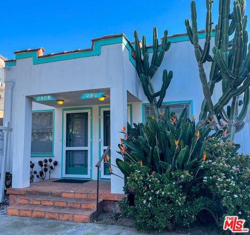Photo of 518 Rialto Avenue, Venice, CA 90291 (MLS # 21697554)