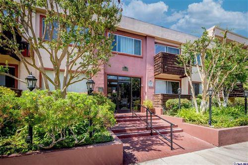 Photo of 5349 Newcastle Avenue #39, Encino, CA 91316 (MLS # 320007555)