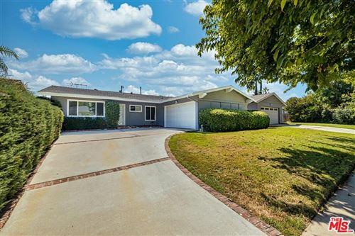 Photo of 23732 Hartland Street, West Hills, CA 91307 (MLS # 21787556)