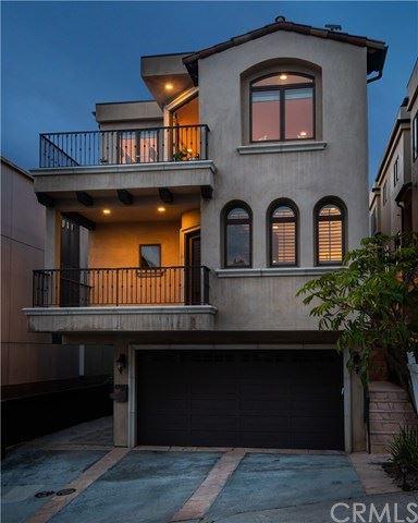 Photo of 319 24th Street, Manhattan Beach, CA 90266 (MLS # SB21092556)