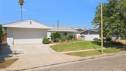 Photo of 20337 Payeras Street, Chatsworth, CA 91311 (MLS # SR21181556)