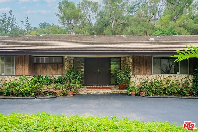 Photo of 1114 Coldwater Canyon Drive, Beverly Hills, CA 90210 (MLS # 21733556)