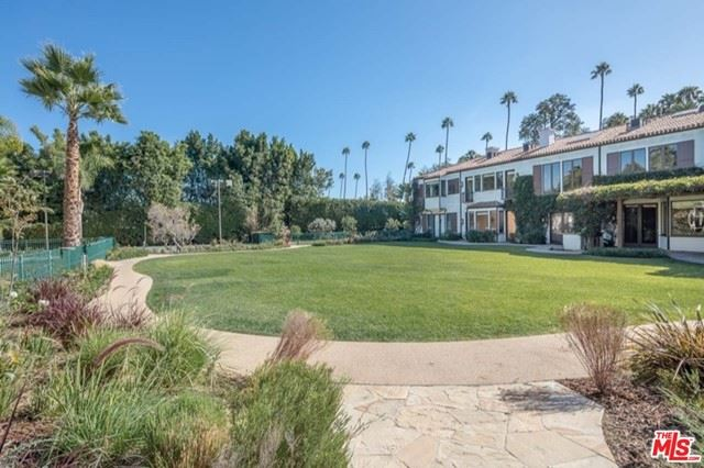 Photo of 706 N Canon Drive, Beverly Hills, CA 90210 (MLS # 21746556)