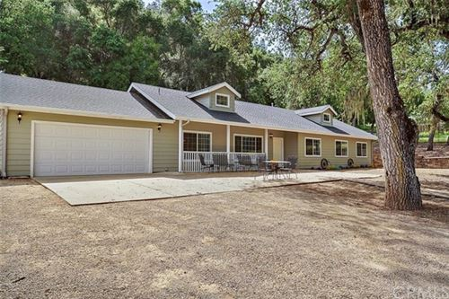 Photo of 5960 Aluffo Road, Paso Robles, CA 93446 (MLS # NS20081557)