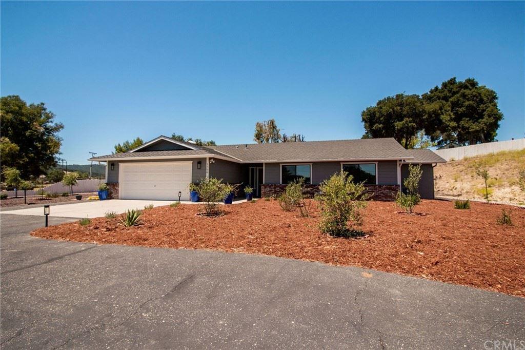 Photo of 1750 Vineyard Drive, Templeton, CA 93465 (MLS # SP21028558)