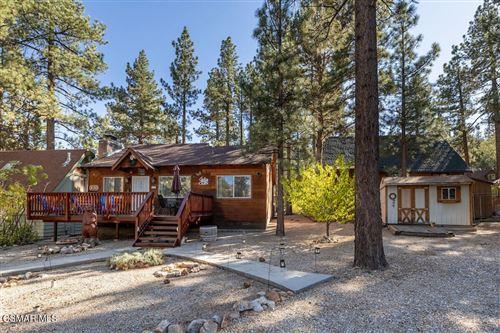 Photo of 420 Garrick Way, Big Bear, CA 92314 (MLS # 221005559)