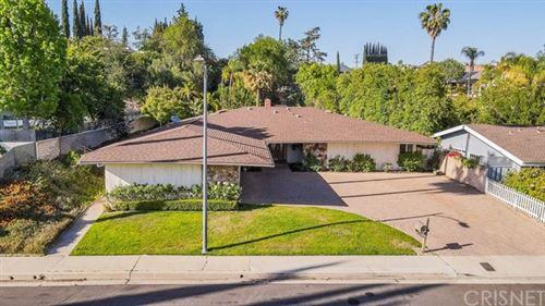 Photo of 20337 Alerion Place, Woodland Hills, CA 91364 (MLS # SR21102559)