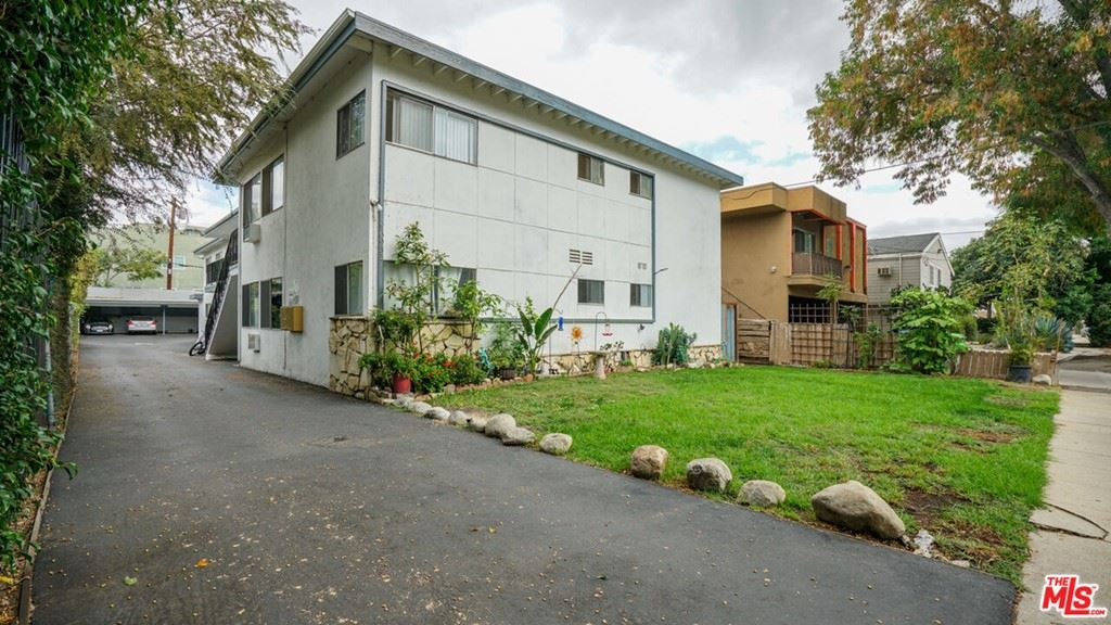 Photo of 10931 Bloomfield Street, North Hollywood, CA 91602 (MLS # 21796560)