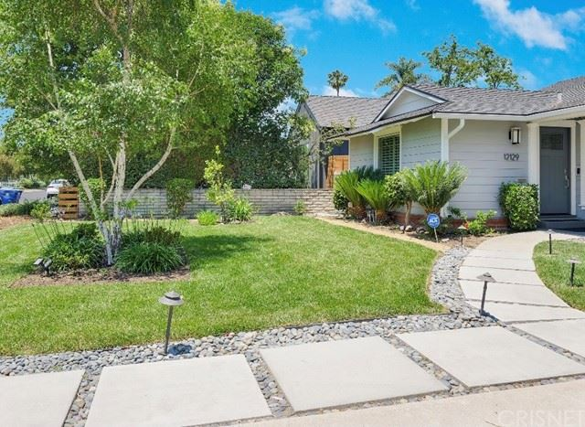 Photo of 12129 Hesby Street, Valley Village, CA 91607 (MLS # SR21126560)