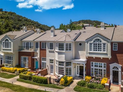 Photo of 2466 Swanfield Court, Thousand Oaks, CA 91361 (MLS # 220004562)