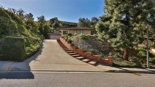 Photo of 2660 Sleepy Hollow Place, Glendale, CA 91206 (MLS # 820000562)