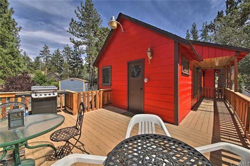 Photo of 405 Garrick Way, Big Bear, CA 92314 (MLS # OC21144563)