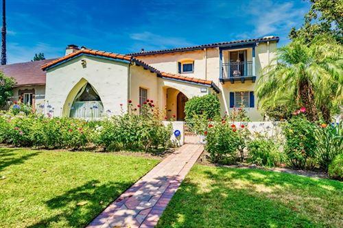 Photo of 1102 La Zanja Drive, Glendale, CA 91207 (MLS # 820002564)