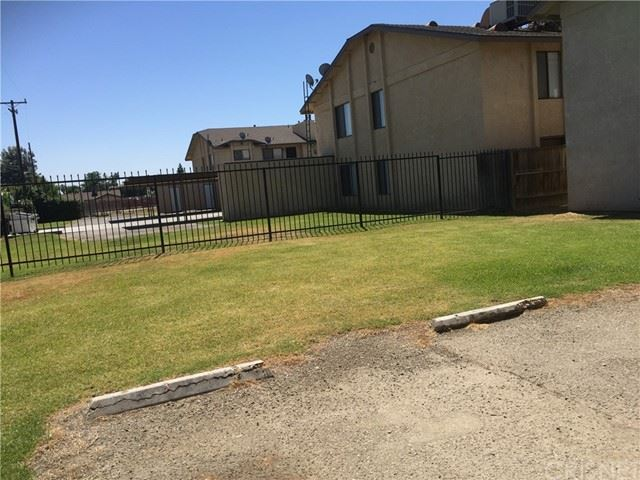 Photo of 3400 Loyalton Avenue, Bakersfield, CA 93313 (MLS # SR21136564)