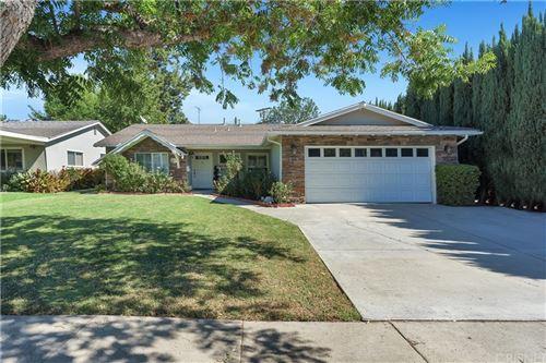 Photo of 6616 Sheltondale Avenue, West Hills, CA 91307 (MLS # SR21226565)