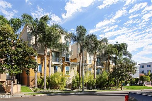 Photo of 1810 S Barrington Avenue #6, Los Angeles, CA 90025 (MLS # V1-3565)