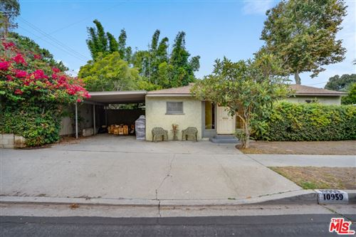 Photo of 10959 Charnock Road, Los Angeles, CA 90034 (MLS # 21786566)