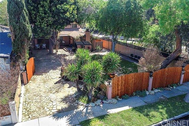 Photo of 4634 Kraft Avenue, Valley Village, CA 91602 (MLS # SR21065566)