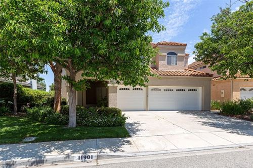 Photo of 11901 Maple Crest Street, Moorpark, CA 93021 (MLS # 220006567)