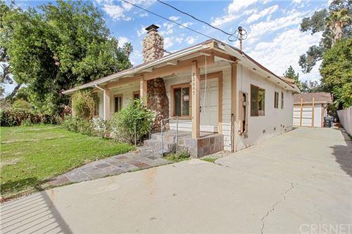 Photo of 22647 Burbank Boulevard, Woodland Hills, CA 91367 (MLS # SR21030567)