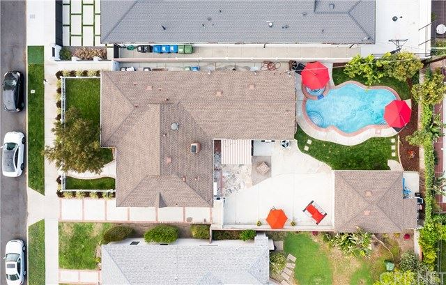 Photo of 5306 Beeman Avenue, Valley Village, CA 91607 (MLS # SR21087568)