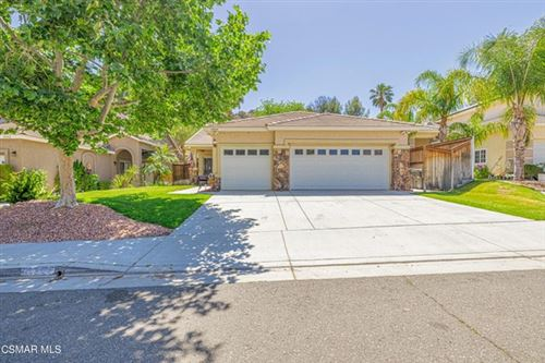 Photo of 14844 Narcissus Crest Avenue, Canyon Country, CA 91387 (MLS # 221002569)