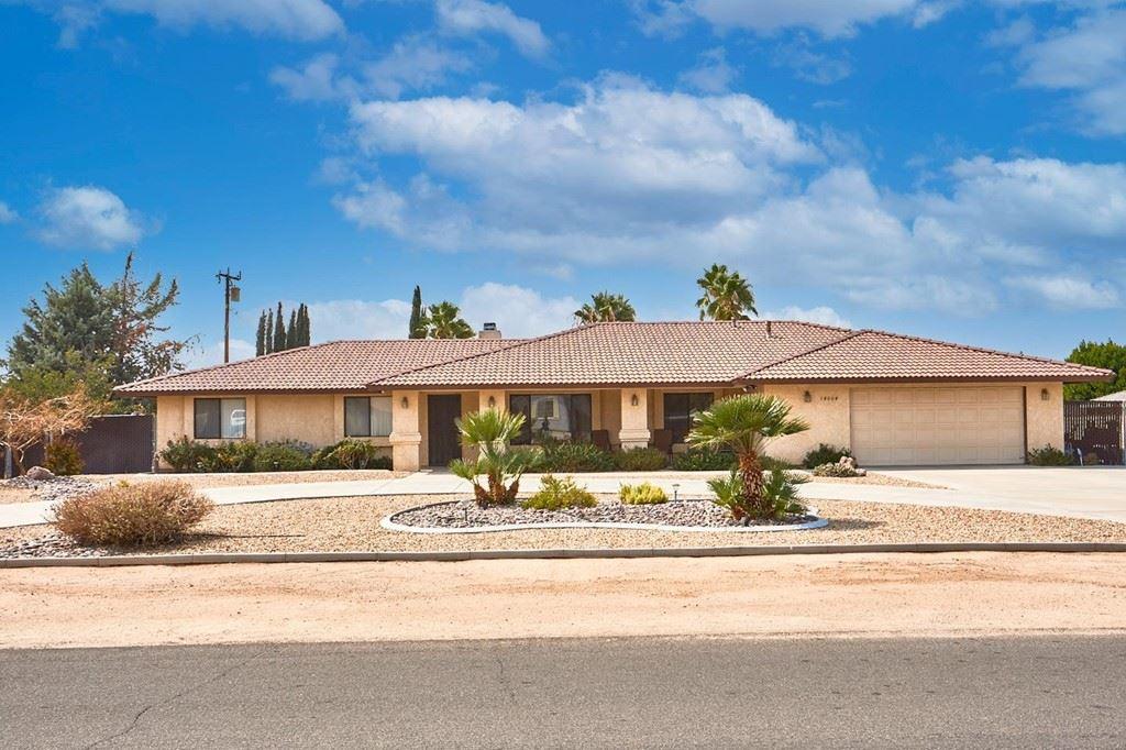 Photo of 14004 Crow Road, Apple Valley, CA 92307 (MLS # 539569)