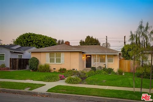 Photo of 2758 Selby Avenue, Los Angeles, CA 90064 (MLS # 20641570)