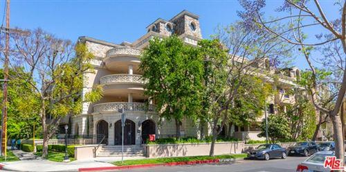 Photo of 850 N Croft Avenue #PH 402, Los Angeles, CA 90069 (MLS # 21727572)