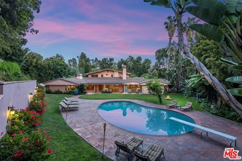 Photo of 1013 N Beverly Drive, Beverly Hills, CA 90210 (MLS # 21730572)
