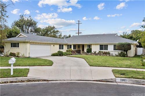 Photo of 9901 Rudnick Avenue, Chatsworth, CA 91311 (MLS # SR21231572)
