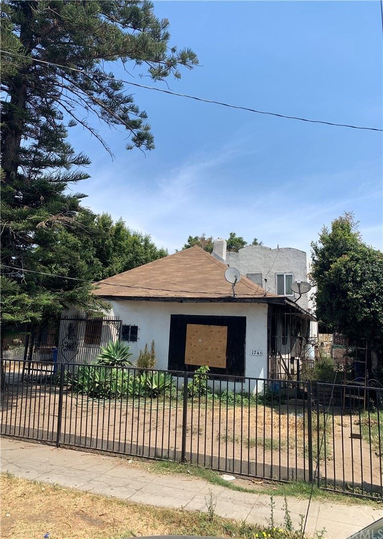 1745 W 35th Place, Los Angeles, CA 90018 - MLS#: PW21153573
