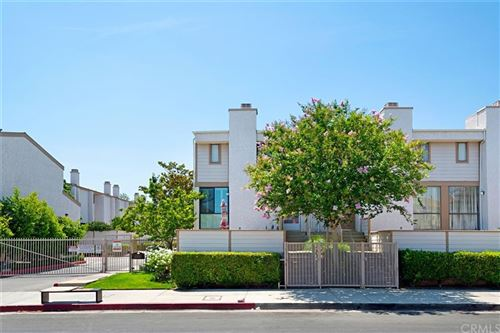 Photo of 10231 Independence Avenue #D21, Chatsworth, CA 91311 (MLS # CV21160575)