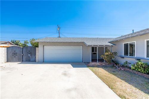 Photo of 5403 W Kedge Avenue, Santa Ana, CA 92704 (MLS # LG21206575)