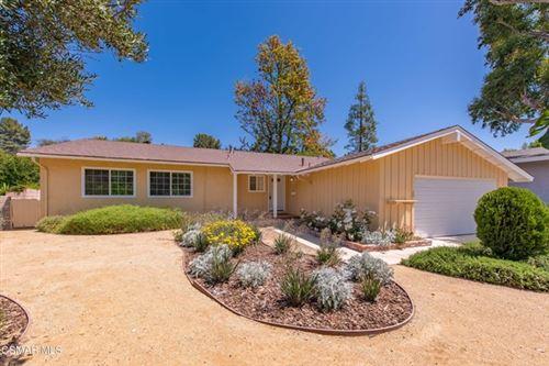 Photo of 5828 Keokuk Avenue, Woodland Hills, CA 91367 (MLS # 221002576)