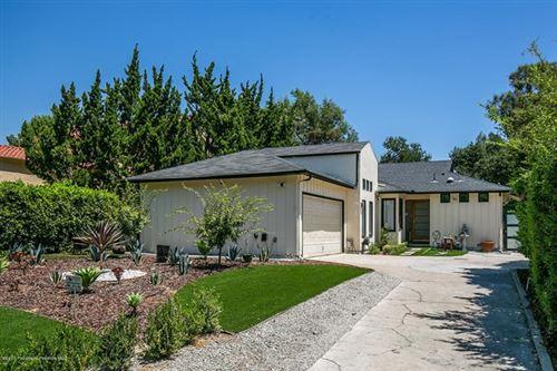 Photo of 4384 Beulah Drive, La Canada Flintridge, CA 91011 (MLS # 820002576)