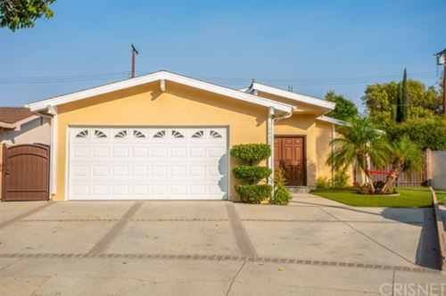 Photo of 10428 Vassar Avenue, Chatsworth, CA 91311 (MLS # SR20224576)