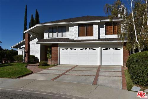 Photo of 24001 Oak Vale Drive, Valencia, CA 91355 (MLS # 21788578)