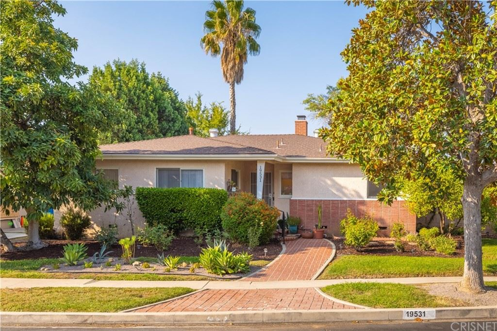 Photo for 19531 Calvert Street, Tarzana, CA 91335 (MLS # SR21188578)