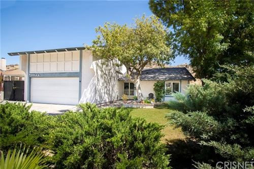 Photo of 14816 Daisy Meadow Street, Canyon Country, CA 91387 (MLS # SR21127580)