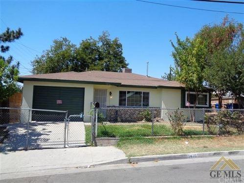 Photo of 1416 Virginia Street, Bakersfield, CA 93305 (MLS # MB21232581)