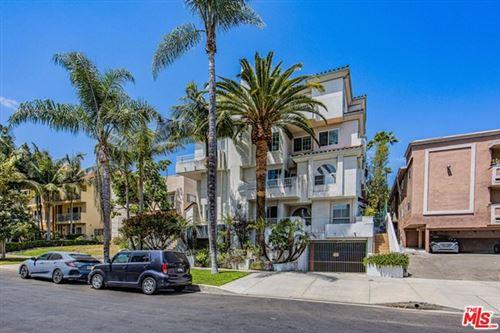 Photo of 845 S Plymouth Boulevard #PH5, Los Angeles, CA 90005 (MLS # 21724582)