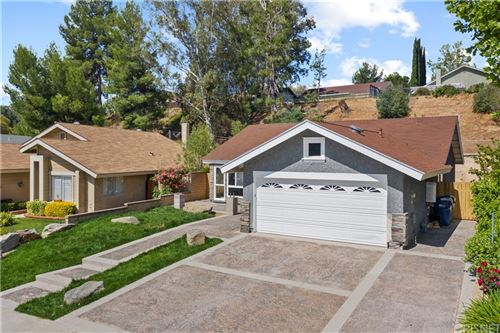 Photo of 27623 Sequoia Glen Drive, Valencia, CA 91354 (MLS # SR21095582)
