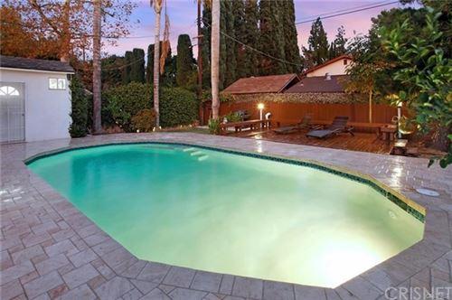 Photo of 7340 Rubio Avenue, Lake Balboa, CA 91406 (MLS # SR21004583)