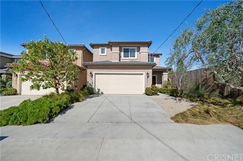 Photo of 9941 White Oak Avenue, Northridge, CA 91325 (MLS # SR21078583)